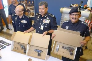 http://www.freemalaysiatoday.com/wp-content/uploads/2013/08/Penang-shooting_IGP-Khalid-300x200.jpg