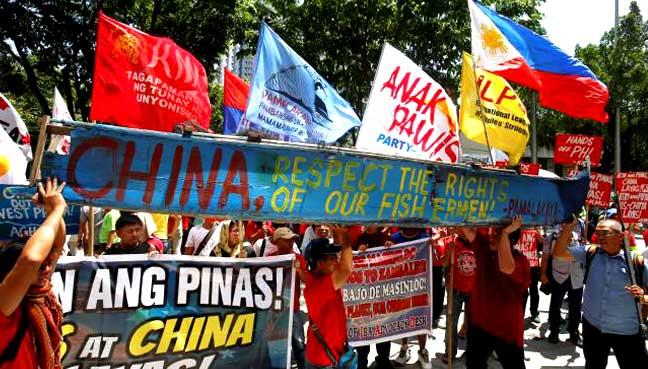 South China Sea: Philippines wins court ruling