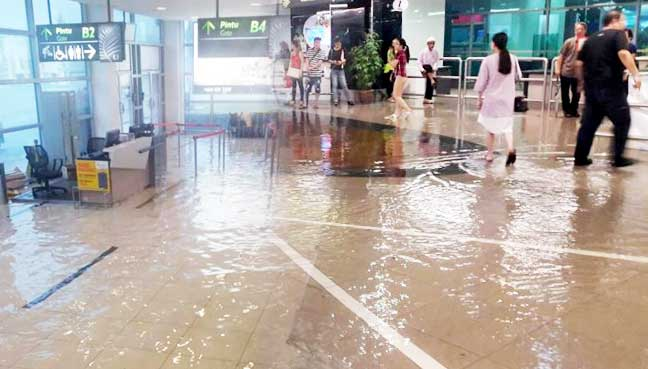 penang-airport-banjir-flood-1