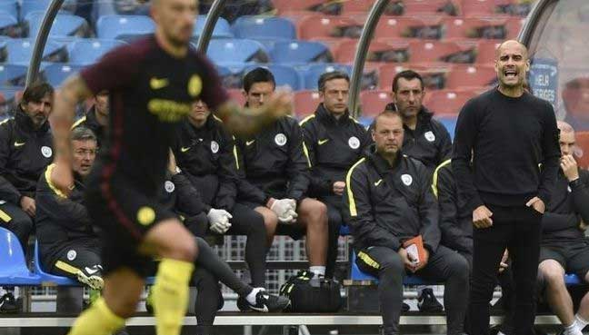 Riyad Mahrez Won't Be Leaving Leicester City Insists Claudio Ranieri