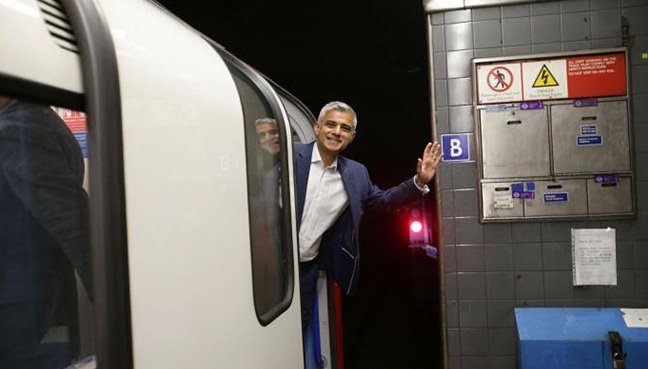 Over 50000 Journeys Completed on London's First Night Tube Services