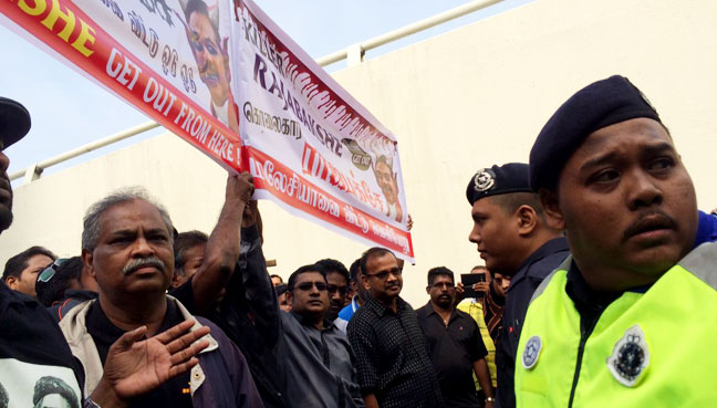 United Nations chief Ban Ki-moon arrives in Sri Lanka