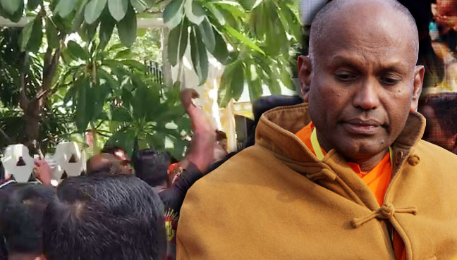 monk_srilanka_600baru