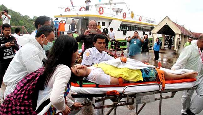 thai-boat-collide