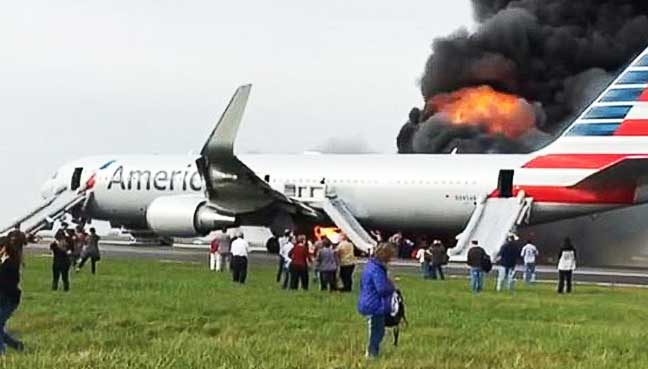 20-'minor-injuries'-after-plane-fire-at-Chicago-airport