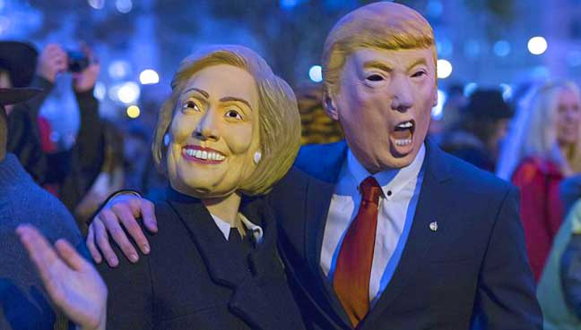 Clinton-embraces-Trump-in-grisly-Japan-Halloween