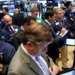 US stocks dip on oil retreat, protectionism fears