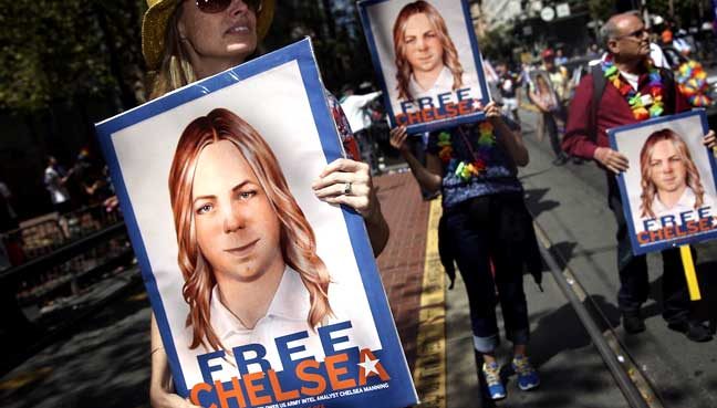 Chelsea Manning asks Obama to cut sentence to time served