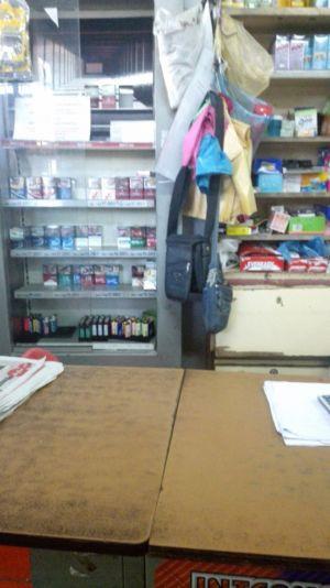 Kedai runcit di mana Shukri ditangkap kerana didakwa memiliki rokok seludup berniilai RM60.