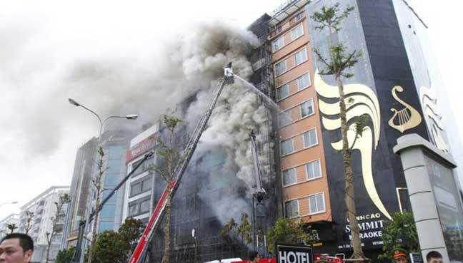 Fire at Vietnam karaoke lounge kills 13