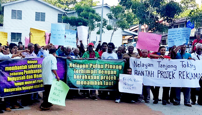 Fishermen protesting the Penang South Reclamation project.