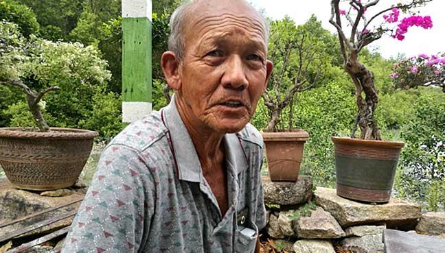 Fisherman Bamoung Toolseram, 69.