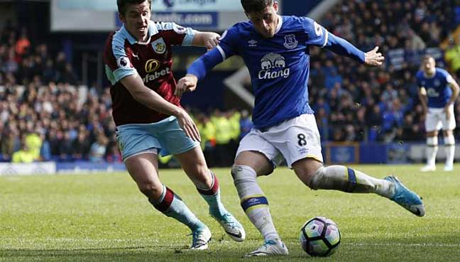 Barkley-inspires-Everton