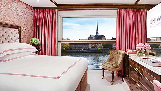 New-luxury-super-yacht-with-onboard-cinema-and-spa-lifts-anchor-in-Paris