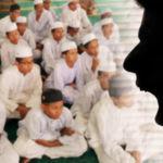 sekolah_agama_ustad_marah_600