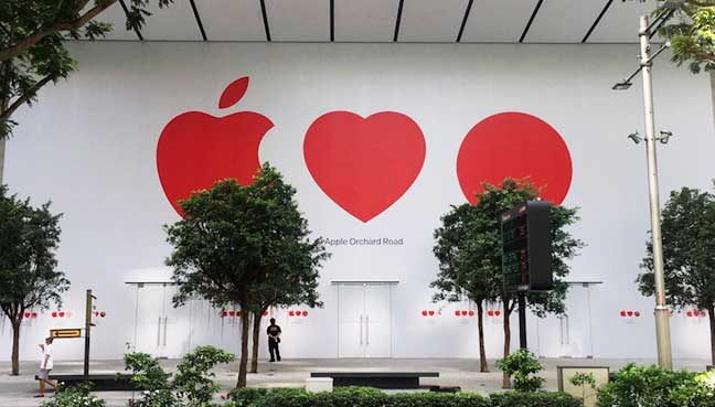 Apple opens first official store in SE Asia
