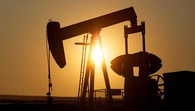 Oil drops on rising US crude inventories, OPEC seen to extend cuts