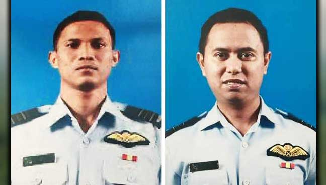Hawk-TUDM-pilots