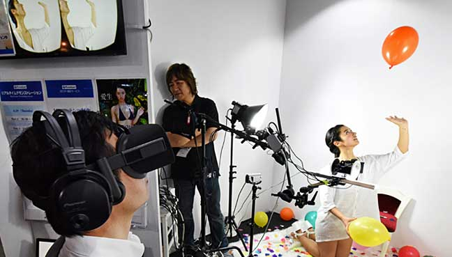 D Virtual Reality Exhibition : True romance in the air at tokyo virtual reality show