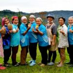 The women of Koonduan Kiau Nuluh Enterprise