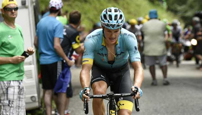 Two Astana riders crash in Tour de France