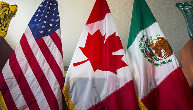 Labor unions, Democrats pressure Trump ahead of NAFTA priorities statement