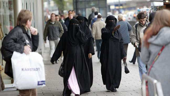 The-Islamic-full-face-veil-and-Europe