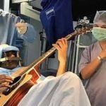 indian-playing-guitar-durin