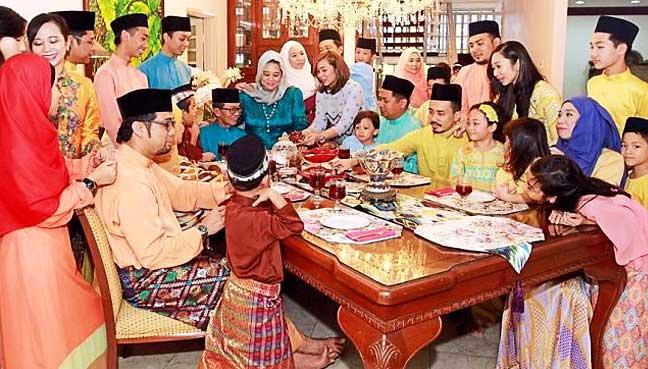 image Malay raya di rumah bf