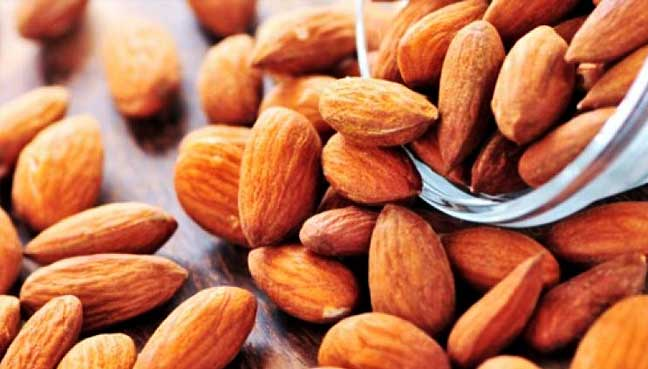 Almonds in daily diet 'may lower bad cholesterol'