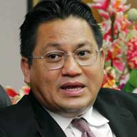 "Nur Jazlan says the matter of apostasy needs to be handled ""with care""."