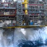 Offshore-rig-storm