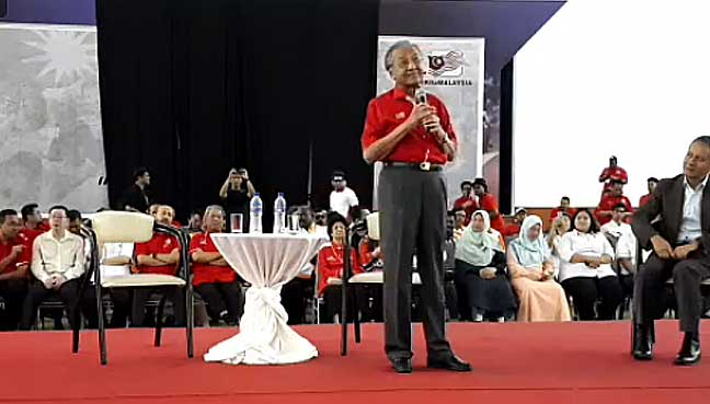 Violence breaks out at former Malaysian PM Mahathir's forum