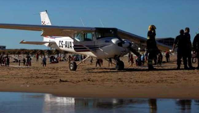 plane-beach