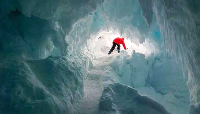 Life could be possible inside the warm caves of Antarctica