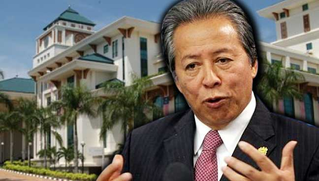 Anifah acknowledges Wisma Putra staff for their resilience