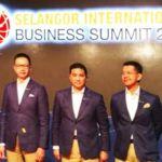 Selangor International Business Summit - (L-R) Selangor Senior Exco Teng Chang Khim, Selangor MB Azmin Ali, Invest Selangor CEO Hasan Azhari Idris