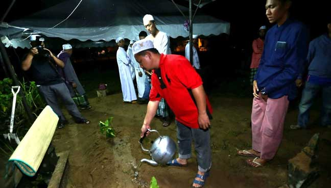 Jenazah warden Pusat Tahfiz Darul Quran Ittifaqiyah dikebumi di Pengkalan Kubor