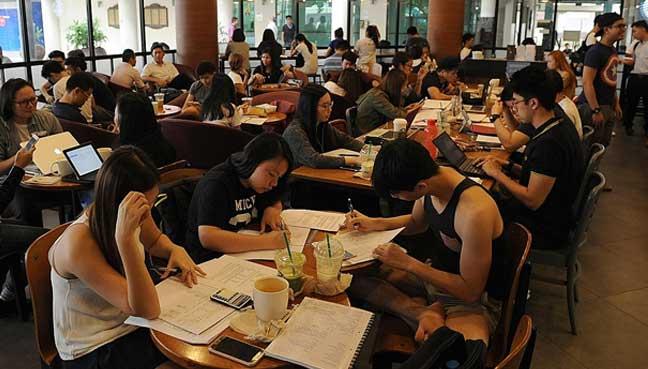 Mengadu kerana dihalau ketika study di Starbucks, namun pelajar ini pula yang dikecam netizen