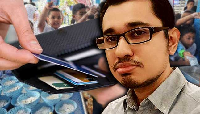 Muzaffar-Syah-Mallow-cashless-student-debit-1