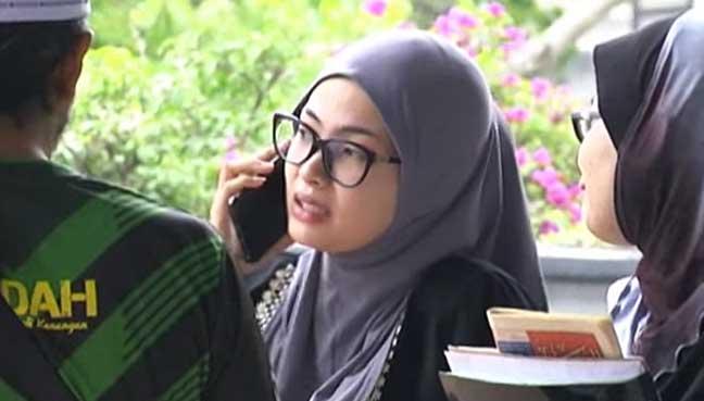 Nur-Farahanis-Ezatty-Adli-Netizens-condemned-on-the-bogus-dentist