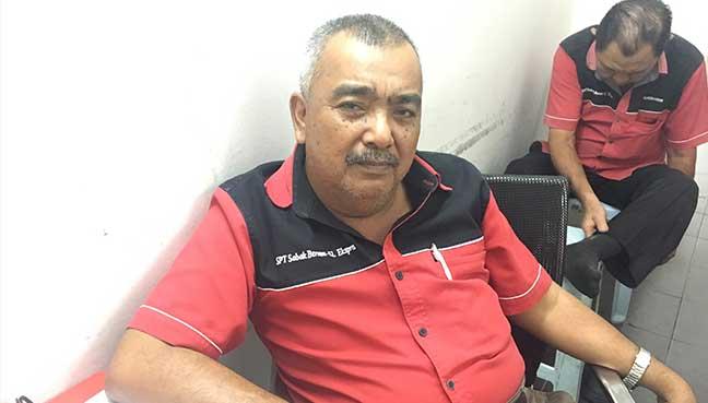 Pekerja syarikat bas Syarikat Perjalanan Terus (SPT) Mohamad Dahlan.