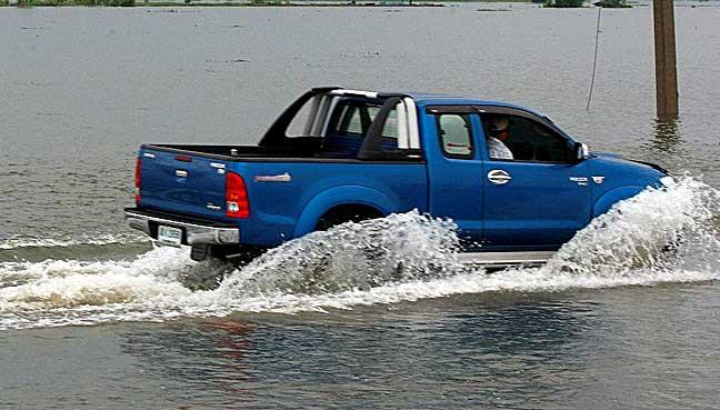 flood-car2