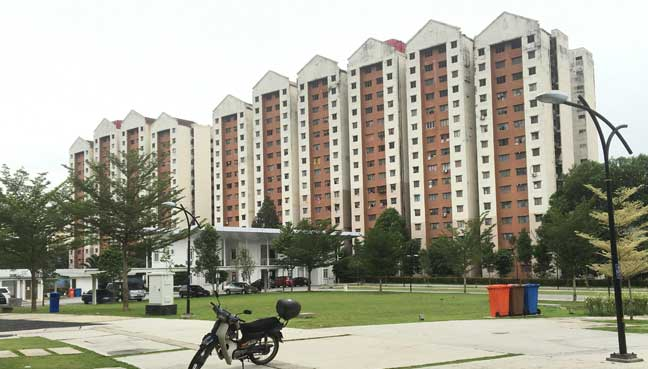 Most of the residents live at the PPR Lembah Subang, located just 5 minutes from the mosque.