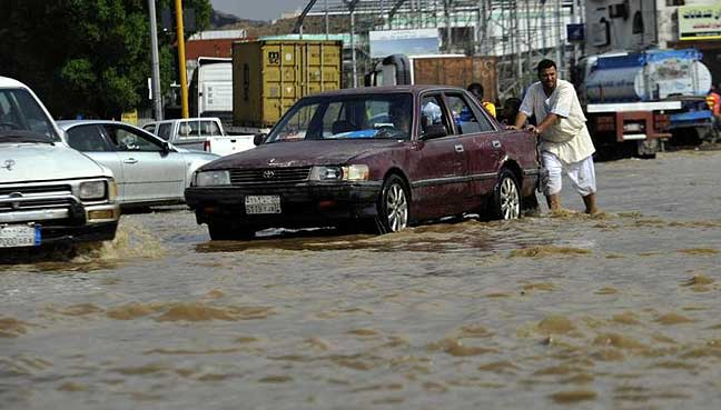 Heavy rain lashes Saudi By