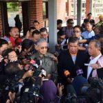 Dr Mahathir bersama pimpinan PH kecewa apabila tidak dapat bertemu Zahid di KDN hari ini.