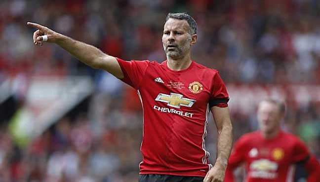 Man United Greats Giggs, Scholes Sign Up For Vietnam's