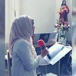 woman-sing-church-1
