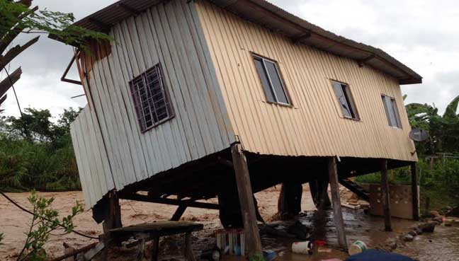 12 houses swept away in Keningau floods, but no deaths