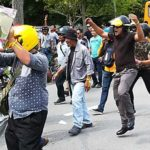 Cops-tame-unruly-crowd-protesting-against-phantom-voters-1
